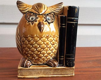 """Vintage 1950s """"wise owl"""" ceramic bookend"""