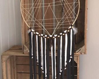 DreamCatcher - IndieTriangle - black and white - Geometrisch-dream catcher - wooden beads
