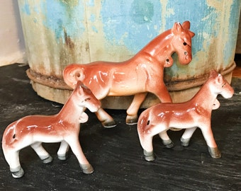 Vintage Horse and Baby Horses Porcelain Figures - chain leash