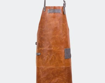 Leather apron with name-Cognac