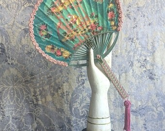 Chinoiserie Fan oAk Collaged Fan 17th Century Costume Boho bide
