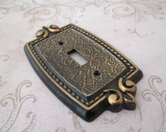 Switch Plate, Vintage light switch cover, metal switchplate, Amerock, light switch, Single Toggle, light cover, bronze switch cover
