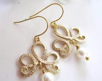 Gold Tiara Earrings, Pearl Dangle, Bridesmaid Earrings, Pearl Earrings, Wedding Jewelry, Gardendiva