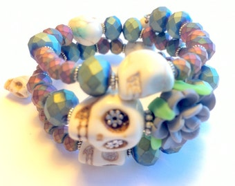Off White and Metallic Day of the Dead Sugar Skull and Rose Memory Wire Bracelet