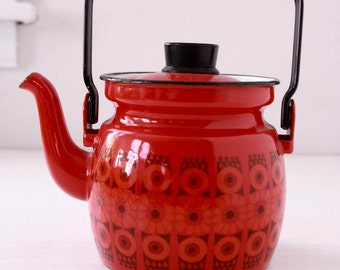 Vintage Kaj Franck teapot in red daisy enamelware