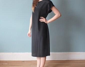 minimalist shift dress | 90s black shift dress | small - medium