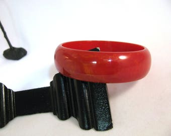Vintage Red Marbled Bakelite Bangle Bracelet - tested