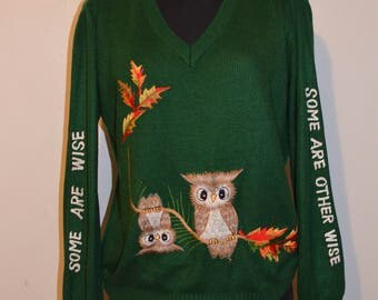 70s Vintage Novelty sweater Embroidered wise owl Some are wise, some are otherwise. Snarky. Green Cyn Less Shirlee Designs. size L cuff fun
