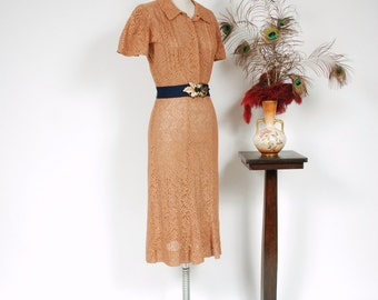 Vintage 1930s Dress - Stunning Mocha Tan Sturdy Sheer Cotton Lace 30s Gown with Flutter Sleeves and Deco Lines - Copper Waves