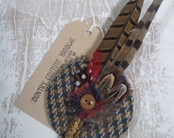 "Tweed and feather brooch ""Eryn"""