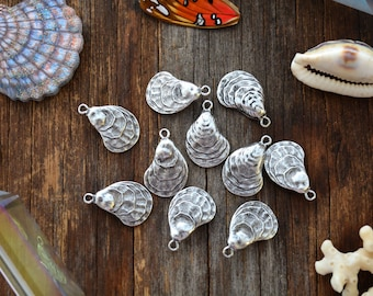 Antique Silver Oyster Shell Charms, 16x25mm, 2pcs / Nunn Designs, Oyster Shell Pendants, Nautical, Beach Charms, Sea Shell, Jewelry Supplies