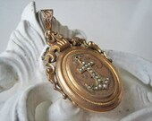 Victorian photo locket, Antique mourning locket, Antique rolled gold locket, Antique Victorian locket, Antique Pearl locket
