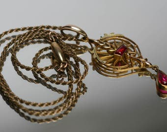 Vintage Gold Tone and Red Glass Stone Pendant/Necklace