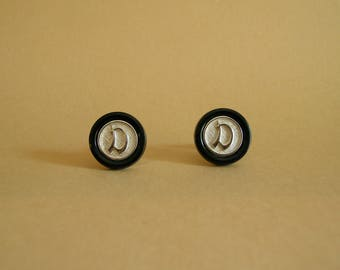 Vintage Black and Silver Initial D Cuff Links / Vintage Monogram Cuff Links / D Cuff Links