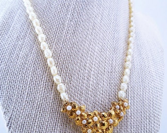 Avon necklace. Pearl necklace. Vintage jewelry. Faux pearls. Flower gold necklace. Beaded. Gift for bride. Gift for her.