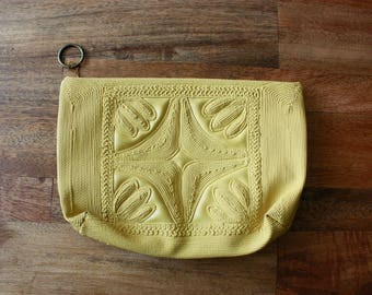 Vintage 1960s Clutch / 60s Mod Mustard Yellow Clutch / Makeup Bag
