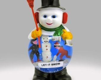 Vintage Classic Snowman Snowglobe SNOW GLOBE Snowdome