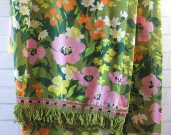 70s Green and Pink Twin Bedding, Bed Cover with Tassels, 70s Tablecloth, Among the Wildflowers