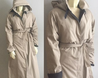 8 London Fog beige // black detail trim hooded lined TRENCH COAT womens 80s vintage preppy professional weather & water proof waist belt S M