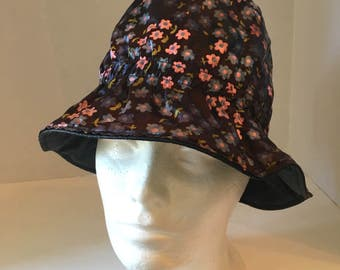 Reversible Black Floral high dome bucket rain Hat 60s vintage pink blue flowers solid black vinyl plastic walking hat cap small