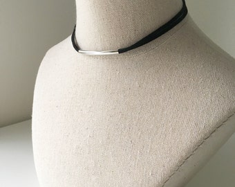 Silver Tube Minimal Choker, Adjustable Suede Chocker, Double Wrap Leather Necklace, Minimal Modern Noodle Bead Curved Tube Pendant