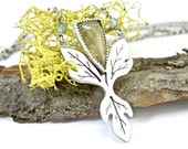 Sassafras Leaf Necklace - Botanical Pendant in Sterling Silver - Mossy, Green Plume Agate