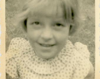 "Vintage Photograph ""This is Sara"" Blurry Blur Close Up Looking at Camera Big Eyes Face Little Girl Children Found Paper Ephemera Photo - 16"