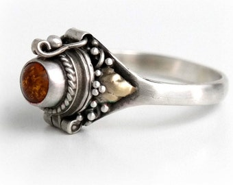 Amber Poison Ring, Round Orange Locket Ring, Sterling Silver Chamber Ring, Amber Stone Secret Compartment Ring, Gypsy Ring SIZE 5, 8, 9 (P4)