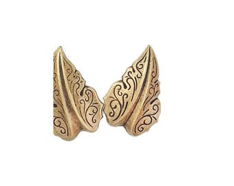 Filigree Leaf Leaves Medium in Ox Brass Stamping Jewelry Making Supply Qty 2 Made in the USA