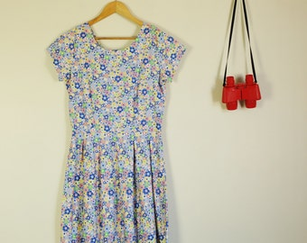 Pastel Mod Floral Lucy 50s Day Dress with pleats