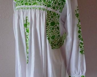 Mexican embroidered white long sleeve blouse Super Fino San Antonino Oaxaca Mexican wedding dress boho Frida Kahlo