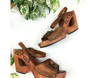 Vintage 1970s Wood and Leather Boho Platform Sandals size 6