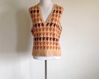 Butterscotch Houndstooth Knit Vest - Size Medium