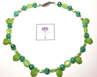 """Handmade 15 1/2"""" NECKLACE SASSY Green Aqua Art Glass Cats eye Accents Swarovski Crystals and Magnetic Clasp"""