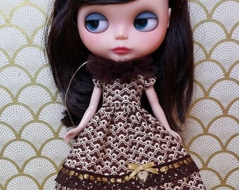 Chocolate and Toffee Blythe Dress and Tulle Collar Set