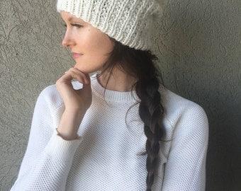 Chunky Knit Slouchy Hat Beanie Tam / Cream Pearl White / Vegan Yarn