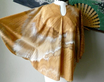 """Vintage 1970s """"Shapely"""" Batwing Style Abstract Starburt Design Blouse- Brown Orange White Yellow Tie Dye Effect Size Small Hippie Boho Beach"""