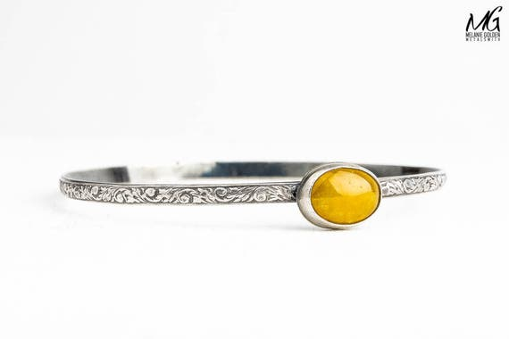 Yellow Jadeite Gemstone Bangle Bracelet in Sterling Silver with Floral Flower Pattern