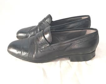 Vintage Black Leather Loafer, Woman's size 9
