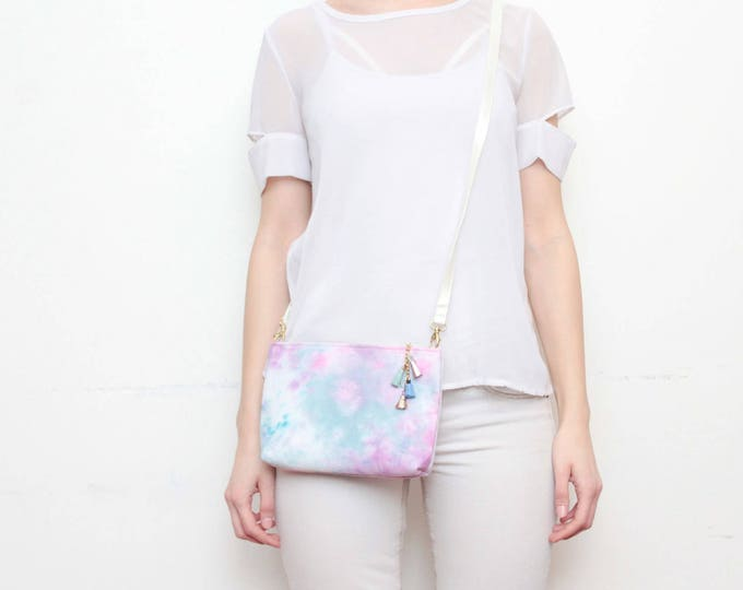 Dyed cotton shoulder bag. Small crossbody purse. Everyday bag. Bridesmaid gift. Simple bag. Hand colored fabric. White bag. /MODEST 15