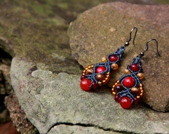 Macrame beaded earrings blue red