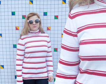 WANDA Banana Republic Red and White 1990s Vintage Turtle Women's Long Sleeve Striped Shirt