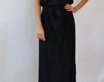 Black evening dress / long black dress / black column dress / Long grecian style maxi dress / ruffle neck / high neck dress / Prom dress