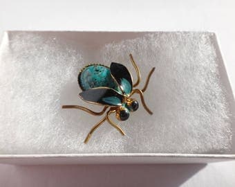 Vintage Turquoise Cabochon Brass & Enamel Beetle Bug Pin / Brooch So Cute!!