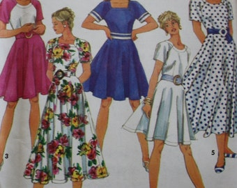 Dress Sewing Pattern/ Simplicity 7873 /UNCUT