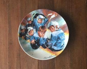 "Dominion China ""Falling Behind"" Hockey Plate from ""The Face Off"" Collection by Stewart Sherwood with Authenticity Certificate (8-D52-11.3)"