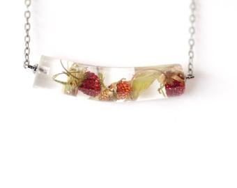 Strawberry necklace - Strawberry terrarium jewelry - Red Strawberry pendant - Resin jewelry - Food jewelry - Berry necklace - Chain pendant