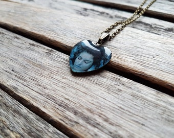 """Laura Palmer Corpse Wrapped In Plastic (Sheryl Lee) from """"Twin Peaks"""" - Heart Cameo Pendant Necklace-Lara Palmer Pendant-Twin Peaks Necklace"""