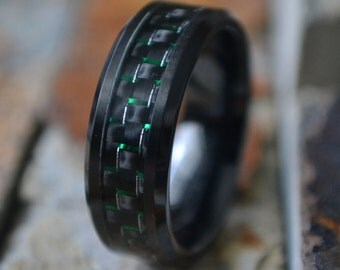 8mm Black Titanium w/ Green and Black Carbon Fiber Inlay Comfort Fit Mens Womens Personalized Wedding Band Ring  Mans Jewelry AZ124