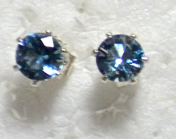 Aquamarine Studs, 5mm Round, Natural, Set in Sterling Silver E1031